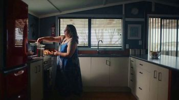 Airbnb TV Spot, 'Airbnb Hosts Ring Our Opening Bell' - Thumbnail 7