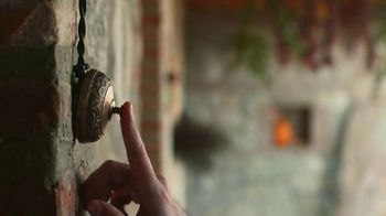 Airbnb TV Spot, 'Airbnb Hosts Ring Our Opening Bell' - Thumbnail 8