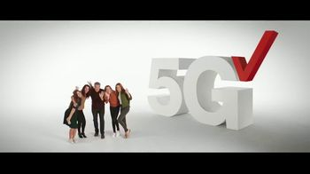 Verizon TV Spot, 'Holidays: Phone Everyone Wants: $700 off Samsung Galaxy S20+ 5G & PlayStation Plus' - Thumbnail 8