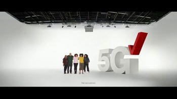 Verizon TV Spot, 'Holidays: Phone Everyone Wants: $700 off Samsung Galaxy S20+ 5G & PlayStation Plus' - Thumbnail 2