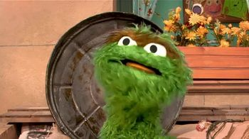 Centers for Disease Control and Prevention TV Spot, 'Oscar the Grouch: Wear a Mask' - Thumbnail 3