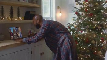 L.L. Bean TV Spot, 'Holidays: Comfortable' Song by Fleetwood Mac - Thumbnail 4