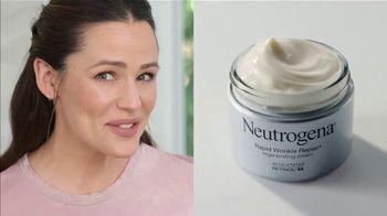 Neutrogena Rapid Wrinkle Repair TV Spot, 'Kiss Wrinkles Goodbye' Featuring Jennifer Garner - Thumbnail 3