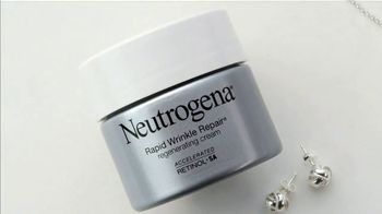 Neutrogena Rapid Wrinkle Repair TV Spot, 'Kiss Wrinkles Goodbye' Featuring Jennifer Garner - Thumbnail 9