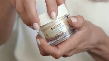 Aveeno Calm + Restore Oat Gel Moisturizer TV Spot, 'Chat With Sabrina' Featuring Jennifer Aniston - Thumbnail 4