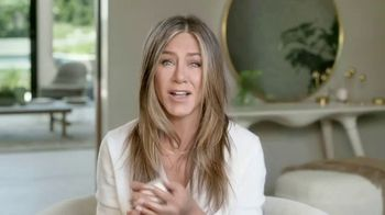 Aveeno Calm + Restore Oat Gel Moisturizer TV Spot, 'Chat With Sabrina' Featuring Jennifer Aniston - Thumbnail 9