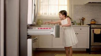 The Home Depot TV Spot, 'New Appliances: Laundry Pair' - Thumbnail 2