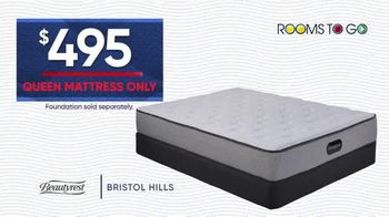 Rooms to Go Holiday Sale TV Spot, '$495 Queen Mattress' - Thumbnail 6