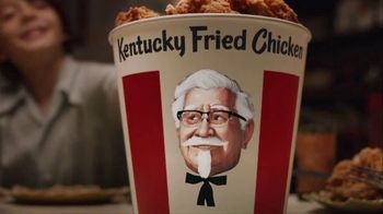 KFC $20 Fill Up TV Spot, 'Talking Bucket'
