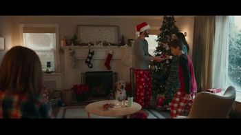 Kohl's TV Spot, 'Give With All Your Heart' Song by Willie Nelson - Thumbnail 8