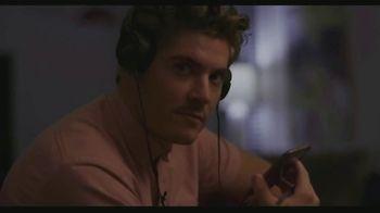 HBO TV Spot, 'Murder on Middle Beach' - Thumbnail 4