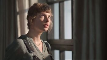 Capital One TV Spot, 'Cardigan' Featuring Taylor Swift