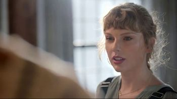 Capital One TV Spot, 'Cardigan' Featuring Taylor Swift - Thumbnail 6
