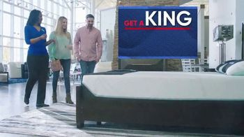 Rooms to Go Holiday Sale TV Spot, 'King Mattress for the Price of a Queen' - Thumbnail 3