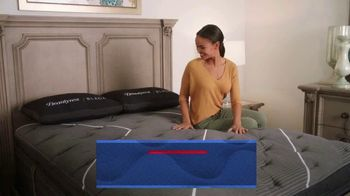 Rooms to Go Holiday Sale TV Spot, 'King Mattress for the Price of a Queen' - Thumbnail 7
