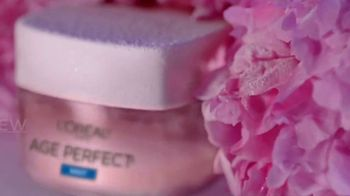 L'Oreal Paris Skin Care Age Perfect Rosy Tone Night Cream TV Spot, 'Wake Up Rosy' Featuring Andie MacDowell - Thumbnail 4