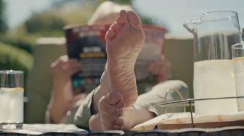 Dr. Scholl's TV Spot, 'We Heart Feet' - Thumbnail 6