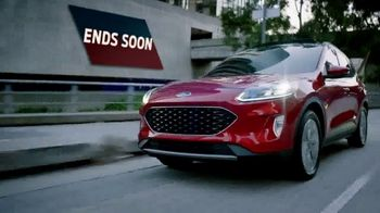 Ford Year-End Sellathon TV Spot, 'Waiting for a Sign' [T2] - Thumbnail 4
