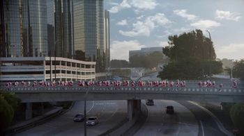 Ford Built for the Holidays Sales Event TV Spot, 'Running of the Santas' [T2] - Thumbnail 3