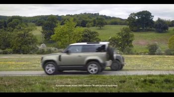 Land Rover Defender TV Spot, 'Everyday Trips' [T2] - Thumbnail 5