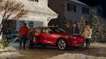 Ford Mustang Mach-E TV Spot, 'Electri-Vacation, Starring The Griswolds' Ft. Chevy Chase, Beverly D'Angelo [T1] - Thumbnail 9