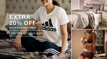 Macy's After Christmas Sale TV Spot, 'Activewear, Designer Bedding and Bras' - Thumbnail 2
