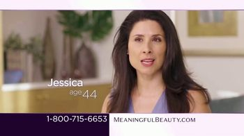 Meaningful Beauty TV Spot, 'What's Meaningful to You' Featuring Cindy Crawford, Ellen Pompeo - Thumbnail 3