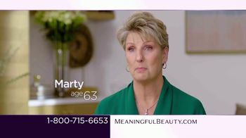 Meaningful Beauty TV Spot, 'What's Meaningful to You' Featuring Cindy Crawford, Ellen Pompeo - Thumbnail 6