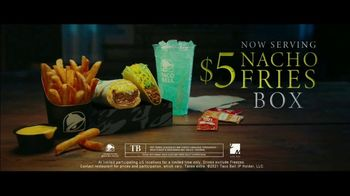 Taco Bell $5 Nacho Fries Box TV Spot, 'Can't Escape the Cravings' Featuring Joe Keery - Thumbnail 10