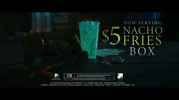 Taco Bell $5 Nacho Fries Box TV Spot, 'Can't Escape the Cravings' Featuring Joe Keery - Thumbnail 9