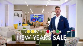 Rooms to Go New Year's Sale TV Spot, 'Hello 2021' Featuring Jesse Palmer - Thumbnail 6