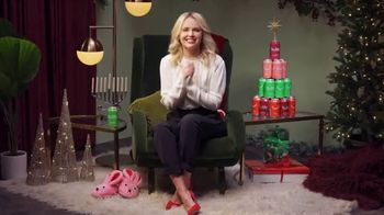 bubly TV Spot, 'Holiday Story: Decorating Competition'
