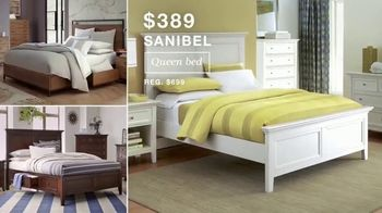 Macy's After Christmas Sale TV Spot, 'Sectional, Queen Bed and Free Box Spring' - Thumbnail 4