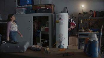 GEICO TV Spot, 'Pipes' - Thumbnail 4
