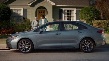 2021 Toyota Corolla TV Spot, 'Una cita con abuela' [Spanish] [T2] - Thumbnail 1