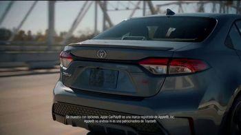 2021 Toyota Corolla TV Spot, 'Una cita con abuela' [Spanish] [T2] - Thumbnail 3