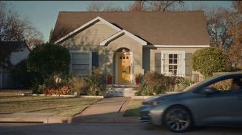 2021 Toyota Corolla TV Spot, 'Una cita con abuela' [Spanish] [T2] - Thumbnail 4