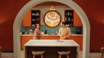 Cinnamon Roll Mini-Wheats TV Spot, 'Family Meeting' - Thumbnail 1