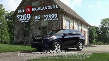 Toyota Run the Numbers Winter Event TV Spot, 'Save: Highlander' [T2] - Thumbnail 4