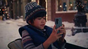 Cricket Wireless TV Spot, 'Holidays: Snowflake: Plans Starting at $30' - Thumbnail 2