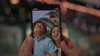 Cricket Wireless TV Spot, 'Holidays: Snowflake: Plans Starting at $30' - Thumbnail 6
