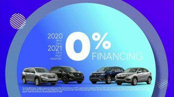 Honda TV Spot, 'Rolling in the New Year: SUVs' [T2] - Thumbnail 9