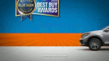 Honda CR-V Sell Down TV Spot, 'SUV of the Decade' [T2] - Thumbnail 4