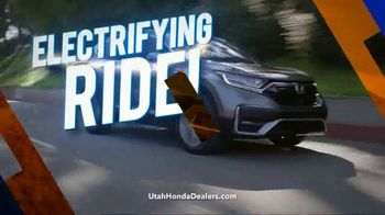 Honda CR-V Sell Down TV Spot, 'SUV of the Decade' [T2] - Thumbnail 8