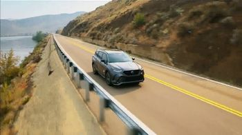 2021 Toyota Highlander TV Spot, 'Western Washington Road Trip: Serious Power' Ft. Ethan Erickson [T2] - Thumbnail 10