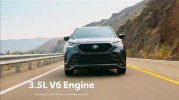 2021 Toyota Highlander TV Spot, 'Western Washington Road Trip: Serious Power' Ft. Ethan Erickson [T2] - Thumbnail 5