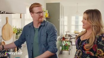 Wayfair TV Spot, 'What You Want' Featuring Kelly Clarkson - Thumbnail 2