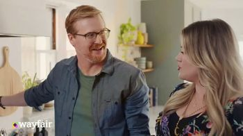 Wayfair TV Spot, 'What You Want' Featuring Kelly Clarkson - Thumbnail 4