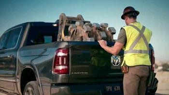 Ram Trucks TV Spot, 'Tres veces' canción de Foo Fighters [Spanish] [T2] - Thumbnail 5