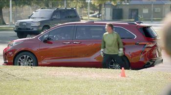 2021 Toyota Sienna TV Spot, 'Legendary Saver' [T2] - Thumbnail 8
